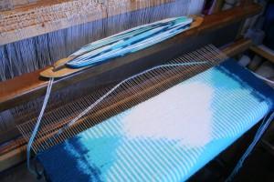 Weaving an Ikat rug